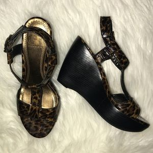 Gianni Bini Animal Print Wedge Sandals Sz 8